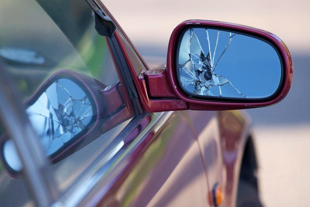 Klaus Body Shop-Mirror Repair